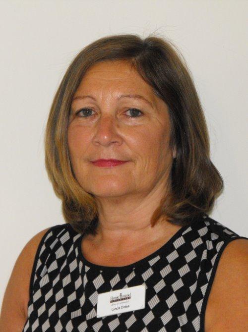 Lynda Oates
