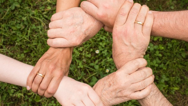 10 ways to cope with dementia as a family