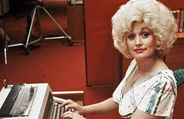 9 to 5 starring Dolly Parton
